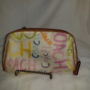 b8,055 Coach Logo Cosmetic Bag Wristlet Wallet